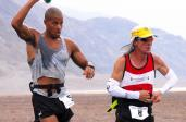 Uczestnicy ultramaratonu Badwater w USA / Fot. www.defense.gov
